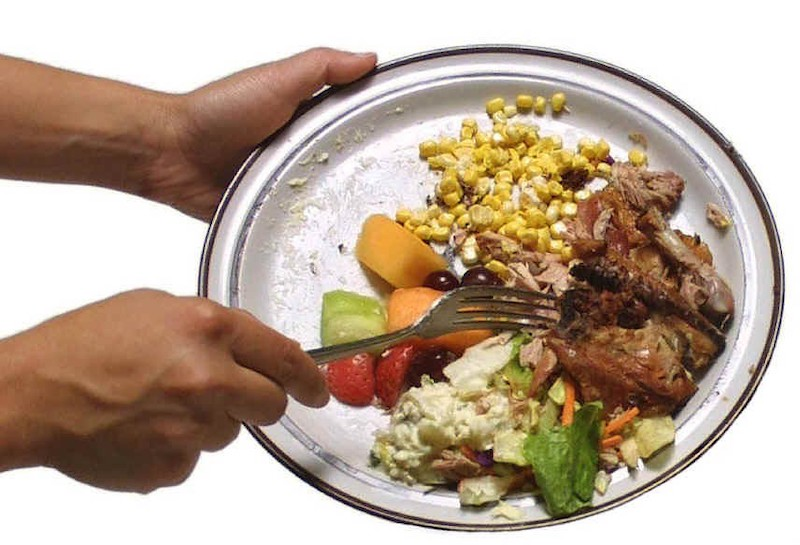 Chega de desperdício: fornecedores de alimentos poderão doar excedentes a pessoas necessitadas
