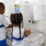 Quase 40% das escolas brasileiras não têm estruturas básicas para lavagem de mãos