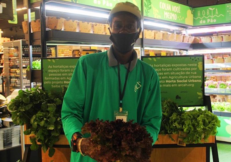 Supermercado comercializa hortaliças orgânicas produzidas em projeto social