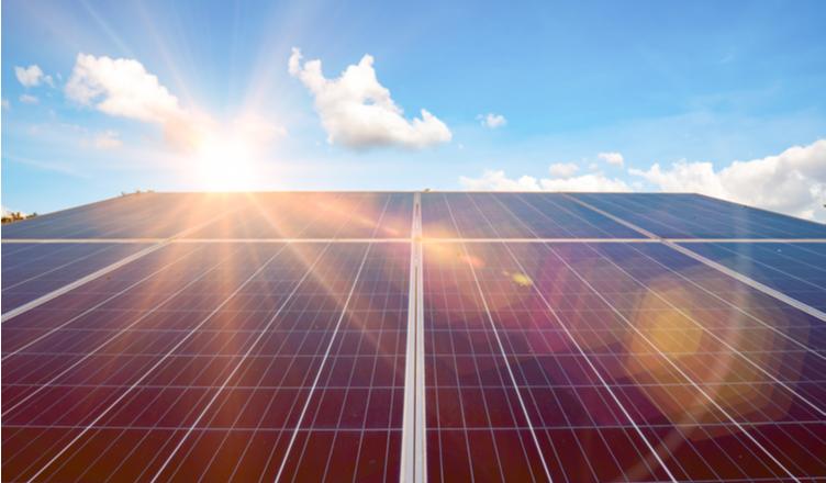 Energia solar mantém crescimento e fica mais atrativa para brasileiros em 2020