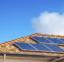 Bandeira vermelha em dezembro reforça vantagens no uso da energia solar