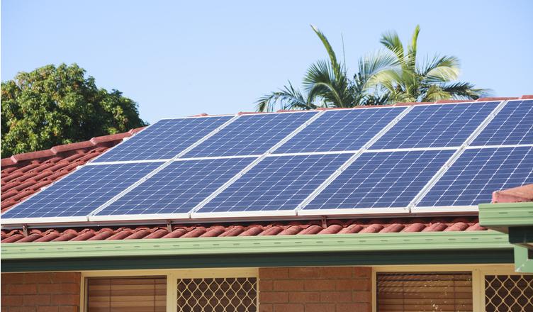 Energia solar atraiu R$13 bilhões e gerou 86 mil empregos no Brasil em 2020